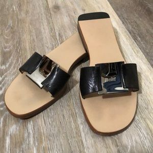 GUCCI • Leather Slides